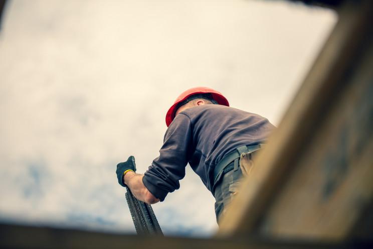 Construção e imobiliário fintam a crise e planeiam manter postos de trabalho